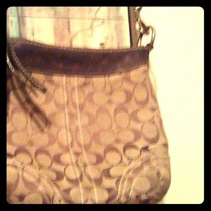 Coach purse with adj straps beautiful
